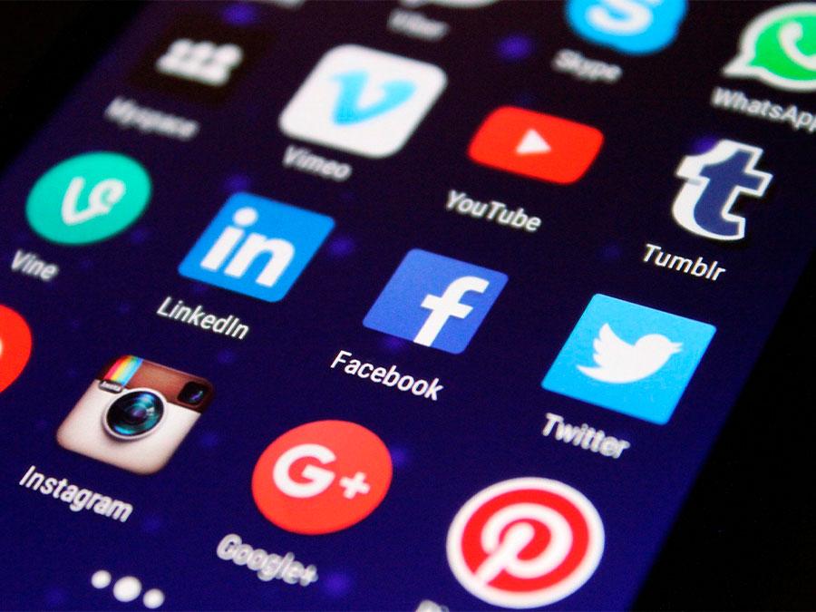 ¿Cómo puede ayudar la publicidad en redes sociales a mi negocio?